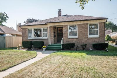 Photo of 3867 E Carpenter Ave, Cudahy, WI 53110