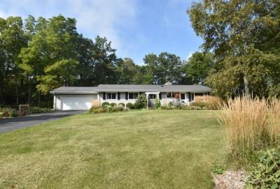 Photo of W336S3945 Deer Park Dr, Genesee, WI 53118