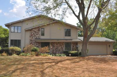 Photo of 3769 W Holmes Ave, Greenfield, WI 53221