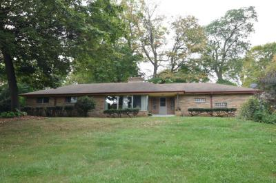 Photo of 8109 W Holmes Ave, Greendale, WI 53220