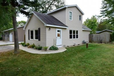 Photo of 326 Woodlawn Ave, Rochester, WI 53105