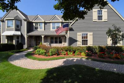 Photo of 11627 N River Ridge Dr, Mequon, WI 53092