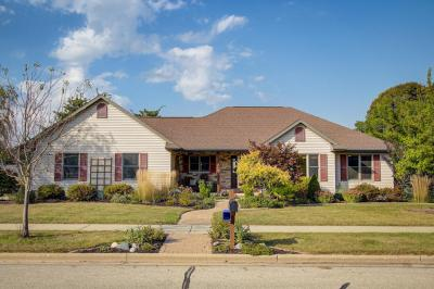 Photo of 1302 Sumac Dr, West Bend, WI 53090