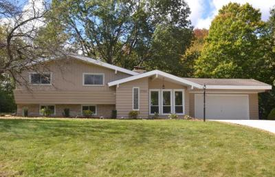 Photo of 17753 W Elger Ct, New Berlin, WI 53146