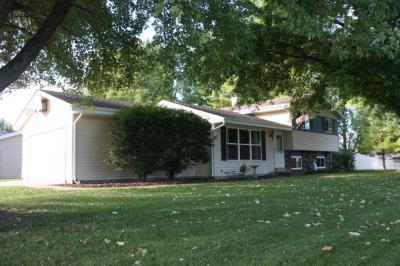 Photo of 821 Pleasantwood Dr, Kewaskum, WI 53040