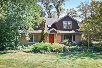 Photo of 11260 N Riverland Rd, Mequon, WI 53092