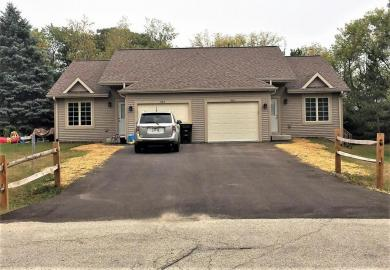 820 Country Ln, Twin Lakes, WI 53181