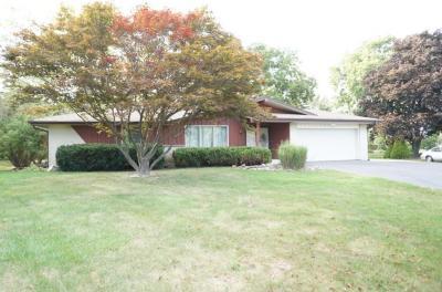 Photo of 8265 S Willow Ct, Oak Creek, WI 53154