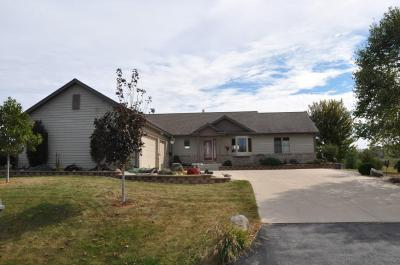 Photo of 114 Gaul Rd, Dousman, WI 53118