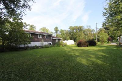 Photo of 867 E Shore Dr, Richfield, WI 53033