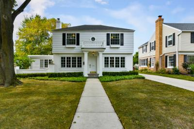 Photo of 6209 N Lake Dr, Whitefish Bay, WI 53217