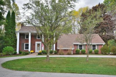 Photo of 12139 N Lake Shore Dr, Mequon, WI 53092