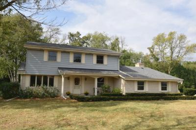Photo of 3345 Parkside Dr, Brookfield, WI 53005