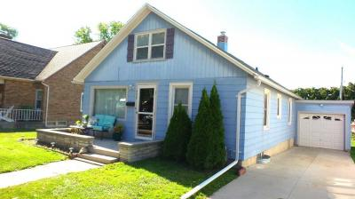 Photo of 230 Bishop Ave, Plymouth, WI 53073