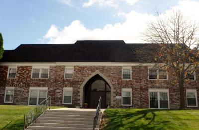Photo of 2076 Chateau Ct, Grafton, WI 53024