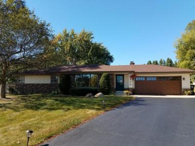 Photo of 4375 S Hearthside Dr, New Berlin, WI 53151
