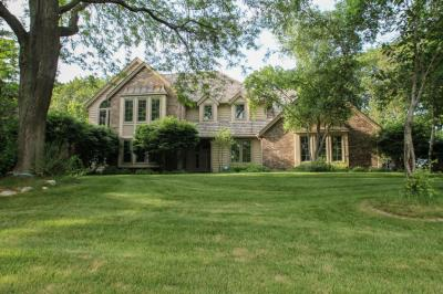 Photo of 3810 N Southwood Dr, Summit, WI 53066