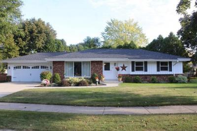 Photo of 520 Greenfield Dr, Grafton, WI 53024