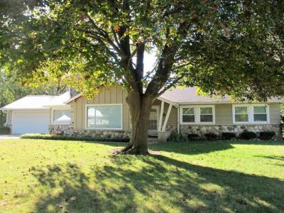 Photo of 2915 W Valanna Ct, Glendale, WI 53209