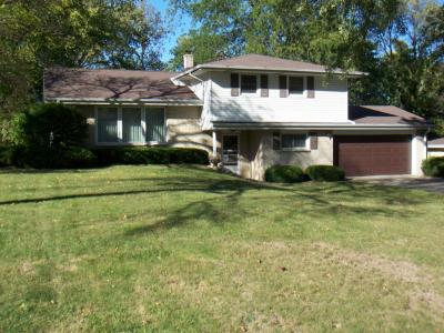Photo of 12980 Cardinal Crest Dr, Brookfield, WI 53005
