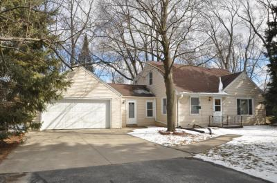 Photo of 5320 S 51st St, Greenfield, WI 53220