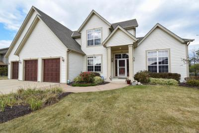 Photo of 3224 E Lindy Ln, Oak Creek, WI 53154