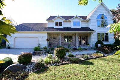 Photo of 13835 W Morningview Ct, New Berlin, WI 53151