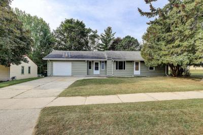 Photo of 2353 Chestnut St, West Bend, WI 53095