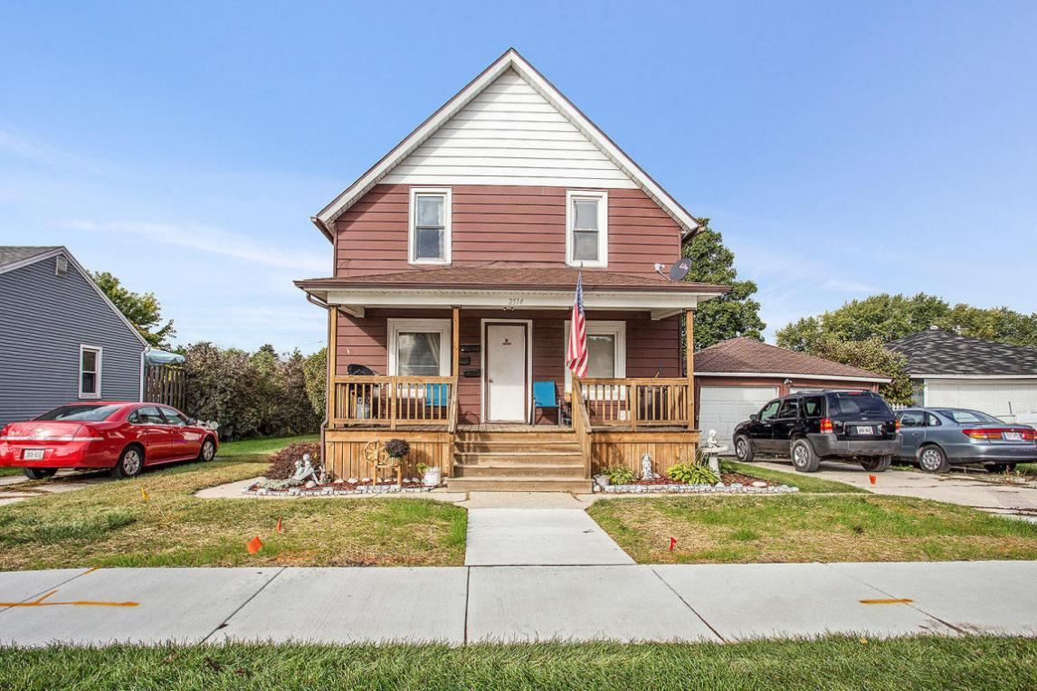 2514 Lincoln Ave, Two Rivers, WI 54241