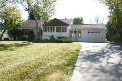 Photo of 1601 Chestnut St, West Bend, WI 53095