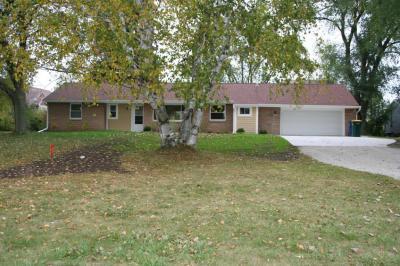 Photo of 4124 E Oakwood Rd, Oak Creek, WI 53154