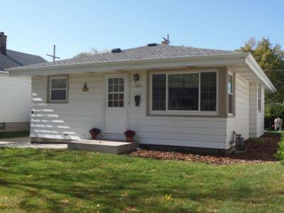 Photo of 909 S 111th St, West Allis, WI 53214