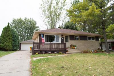 Photo of 1317 Columbia Ave, South Milwaukee, WI 53172
