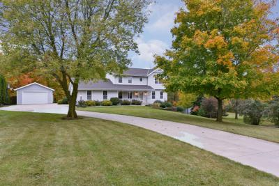 Photo of 2784 Dry Gulch Dr, Jackson, WI 53037