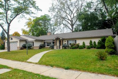 Photo of 2908 S 106th St, West Allis, WI 53227