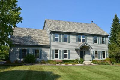 Photo of 4310 W Carriage Ct, Mequon, WI 53092