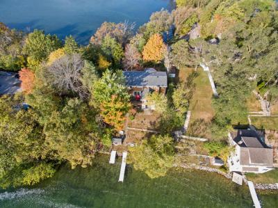 Photo of 5484 Peninsula Dr, West Bend, WI 53095