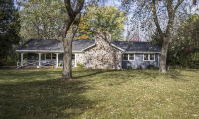 Photo of 10527 N Circle Rd, Mequon, WI 53092