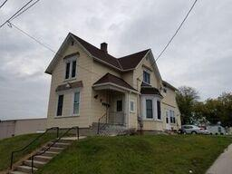 Photo of 921 S 13th St, Manitowoc, WI 54220
