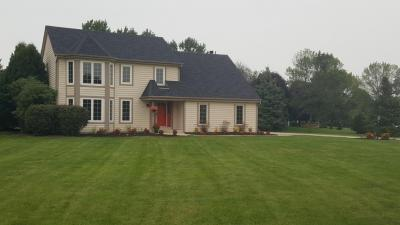 Photo of 401 Candlewick Ct, Delafield, WI 53018