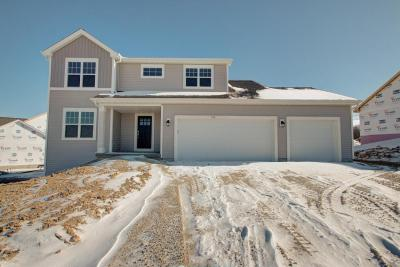 Photo of 750 Autumn Ridge Ln, Hartford, WI 53027