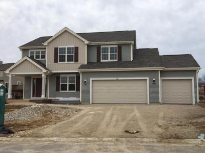 Photo of 734 Autumn Ridge Ln, Hartford, WI 53027