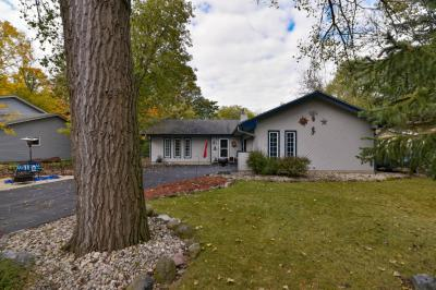Photo of 3779 S 102nd, Greenfield, WI 53228