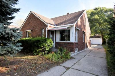 Photo of 5732 N Lydell Ave, Whitefish Bay, WI 53217