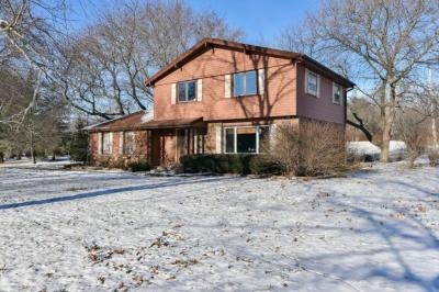 Photo of 1496 Woodland Dr, Grafton, WI 53024