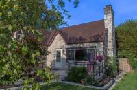 3434 S 46th St, Greenfield, WI 53219