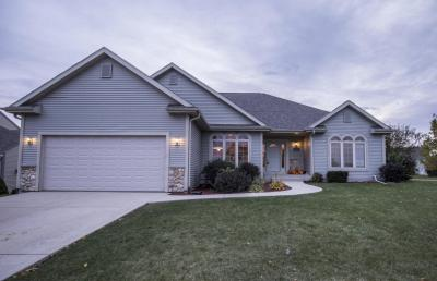 Photo of 8755 S Yorkshire Ct, Franklin, WI 53132