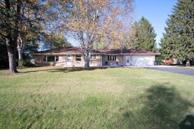 Photo of N59W21962 Silver Meadows Dr, Menomonee Falls, WI 53051