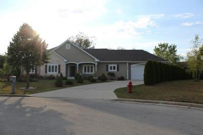 Photo of 8871 W Silverwood Ct, Franklin, WI 53132