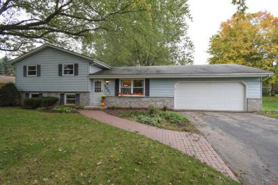 Photo of 4961 Eagle Ln, West Bend, WI 53095